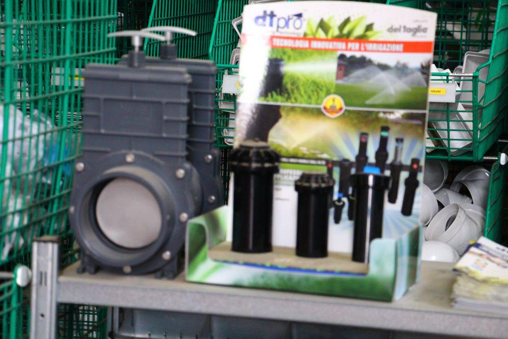 Prodotti per piccola irrigazione - Sacchetti Lucio snc - Servizi e materiale per edilizia - Cesenatico
