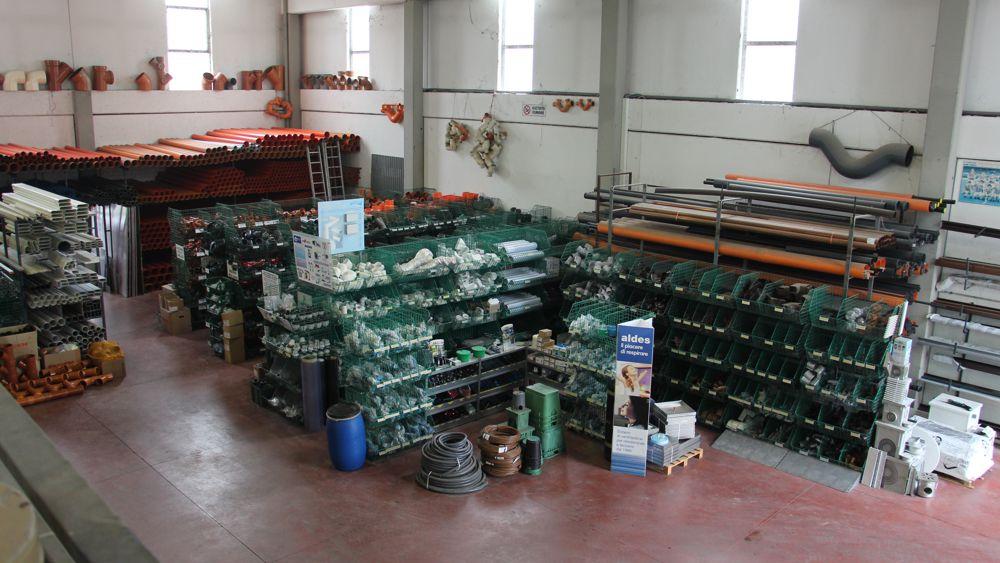 Magazzino - Sacchetti Lucio snc - Servizi e materiale per l'edilizia
